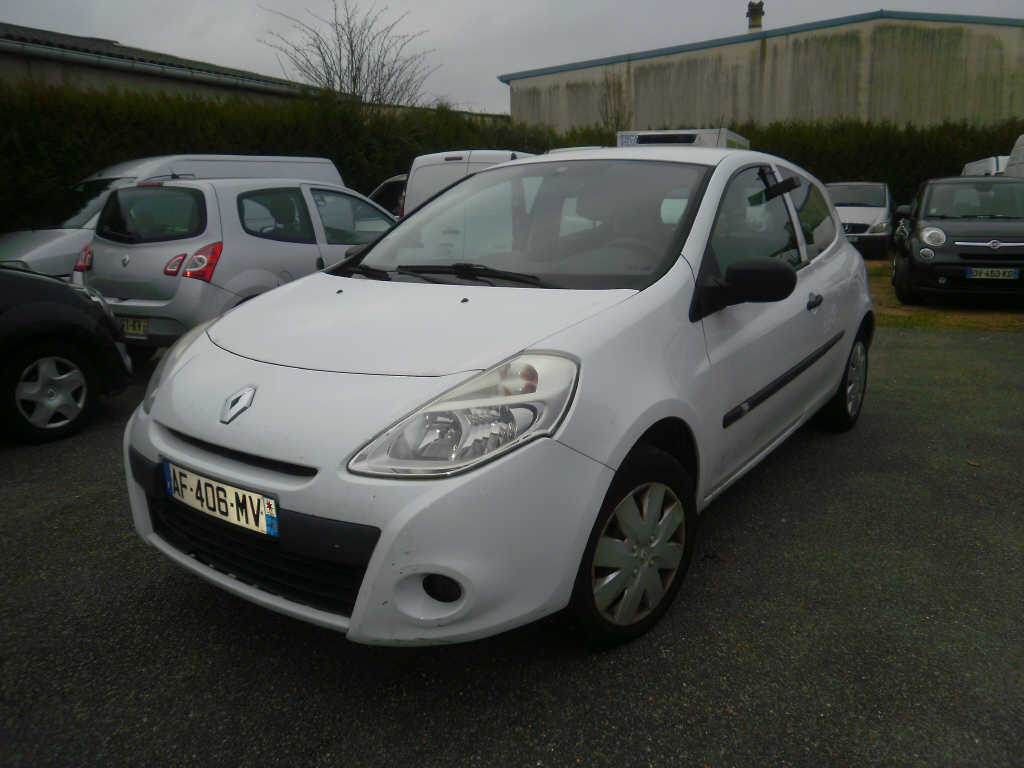 RENAULT CLIO III  1.5 DCI  68 CH STE  3 PTES  2009